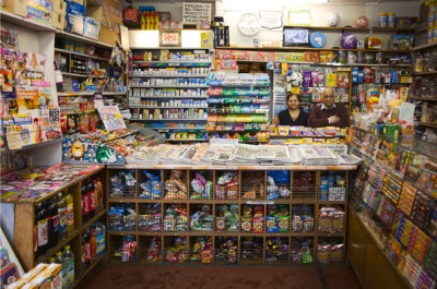 Son Emirali: Fosters Newsagents